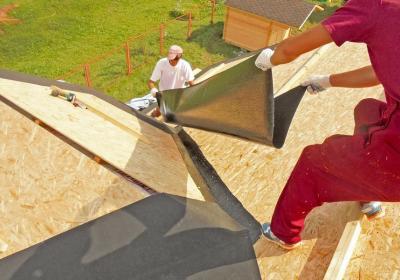 Как смонтировать подкладочный ковер? выполним монтаж гибкой черепицы в Московской области под ключ